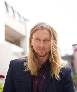 Guys With Full-Length Hair