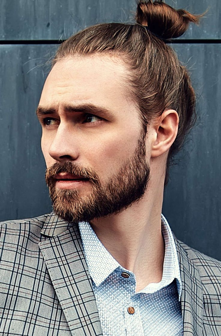Mens Wedding Hairstyle Slicked-Back Man Bun Hairstyle