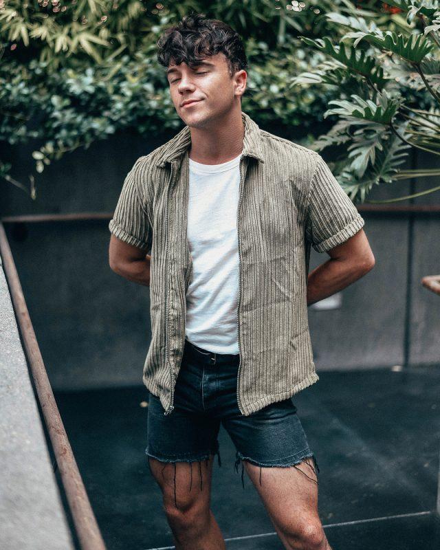 teen-fashion-tip-02-shorter-sleeve-length