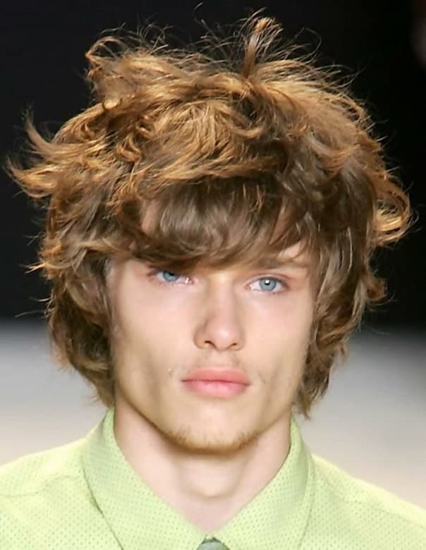 Short & Messy feathered-hair-men